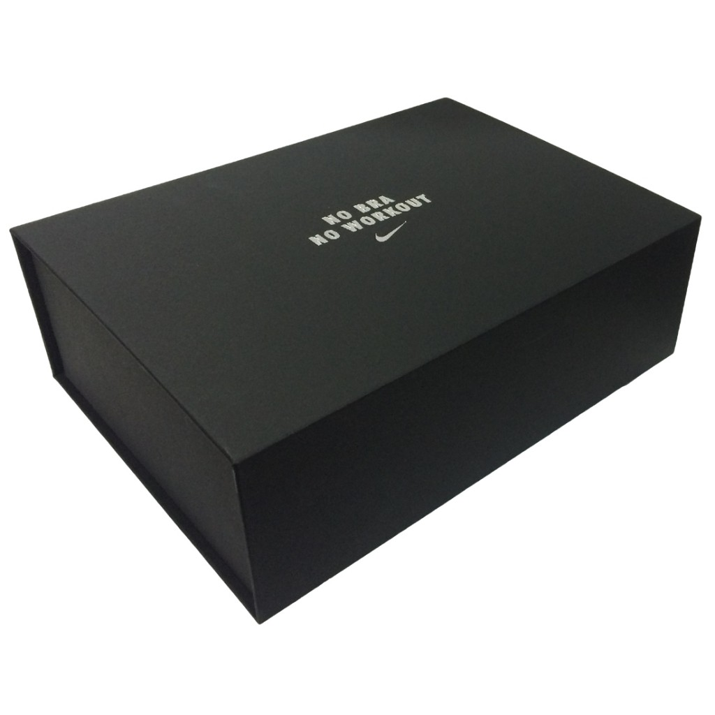 Apparel Presentation Box with Magnet Support - Closed